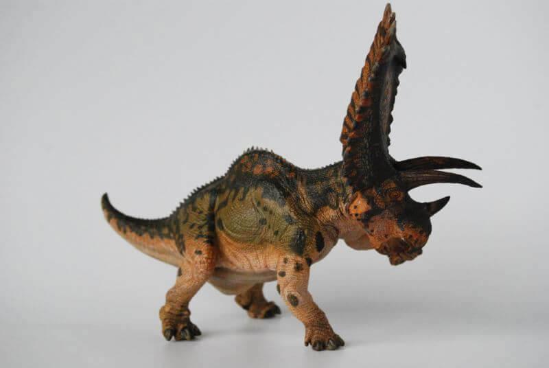 大人の恐竜模型館 papo ペンタケラトプス 恐竜フィギュア レビュー